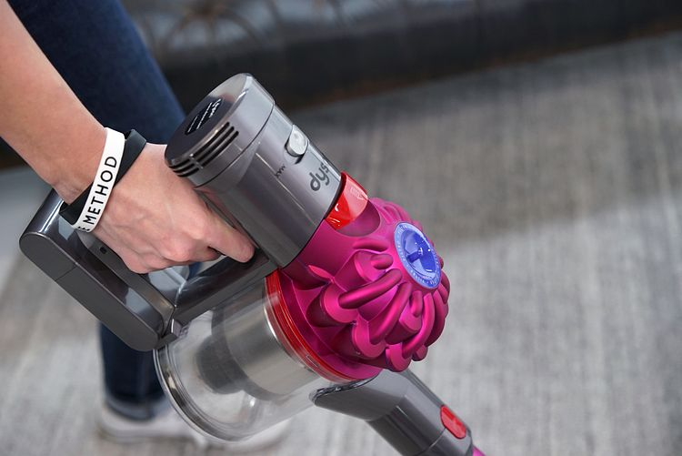 Dyson V7 Motorhead Review | House Method