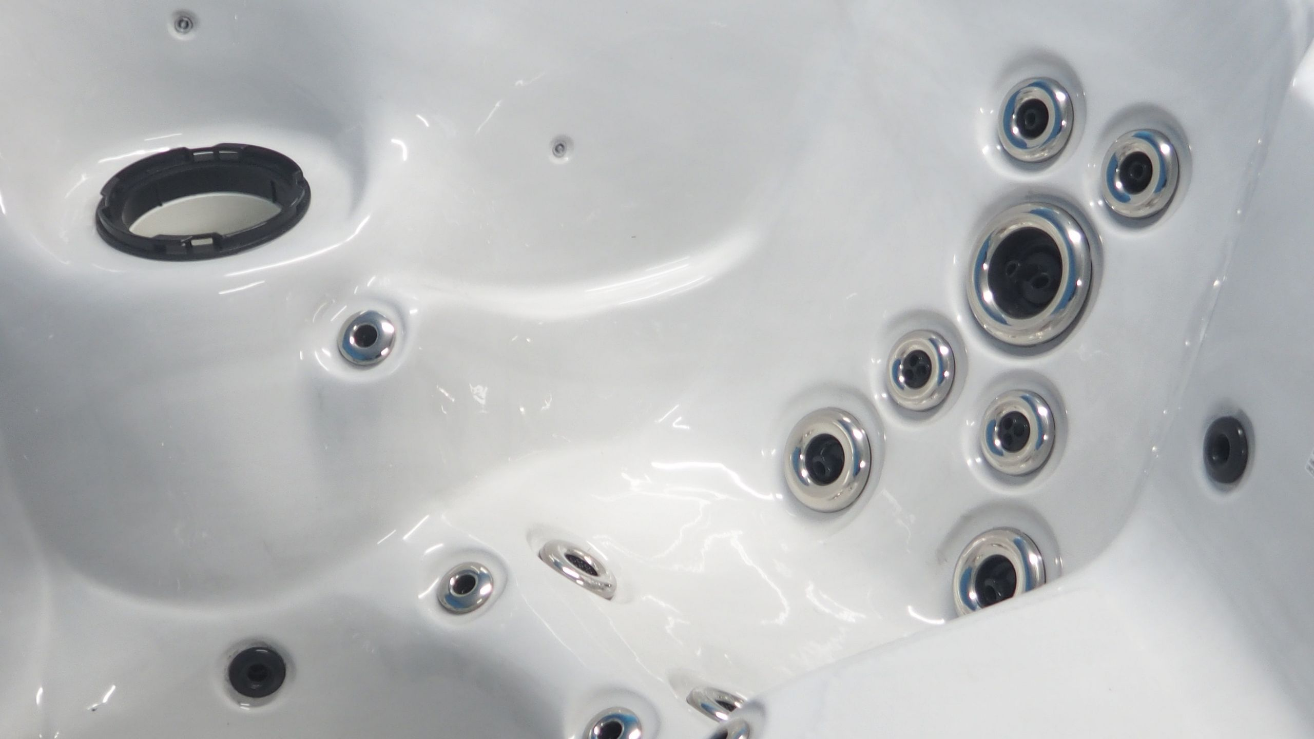 Is A Jacuzzi Tub Right For You Installation Costs And